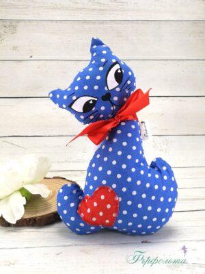 Ръчно изработена играчка коте