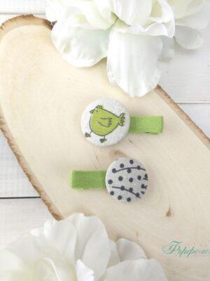 Комплект ръчно изработени фиби с копчета - Зелена кокошка