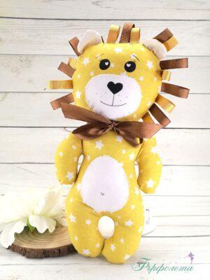 Ръчно изработена играчка лъвче