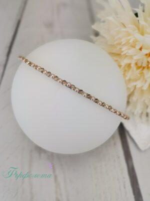 Тънка диадема с перли и кристали